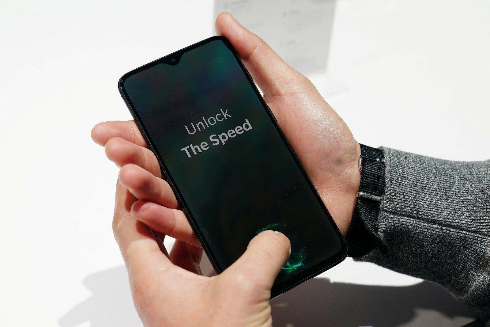 Debütált az OnePlus 6T