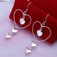 Női romantikus három szívvel díszített fülbevaló - 6,5 * 2.6 cm