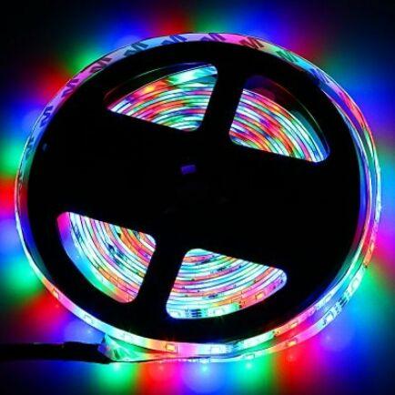 ZDM 5 méteres RGB LED fénysor távirányítóval
